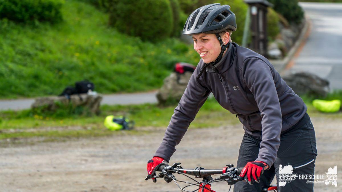 bikecamp-ladies-only-bikeschule-sauerland-fahrtechnik-042018-32
