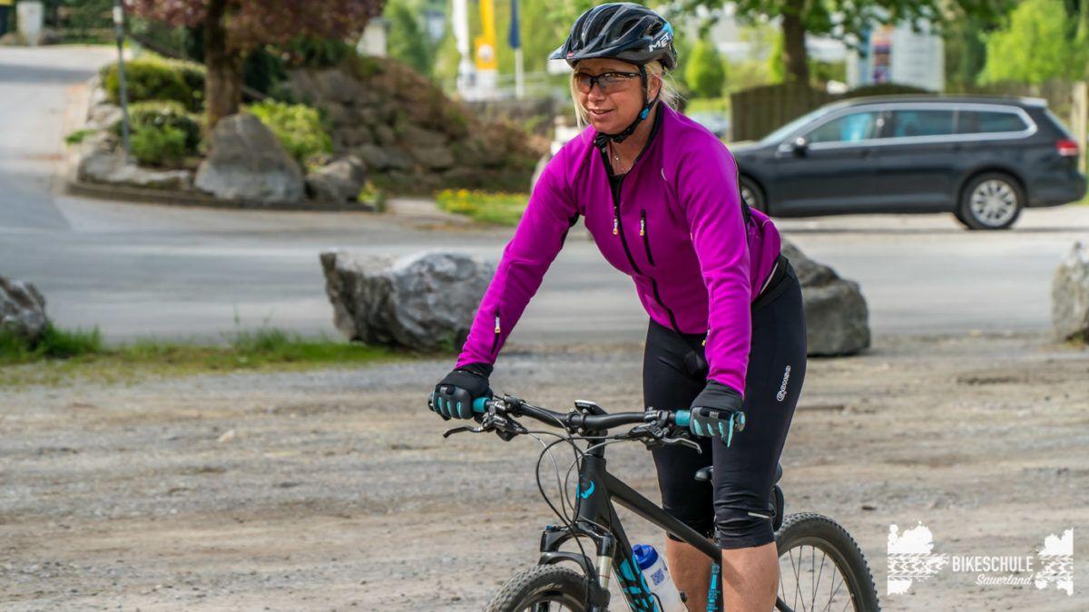 bikecamp-ladies-only-bikeschule-sauerland-fahrtechnik-042018-33