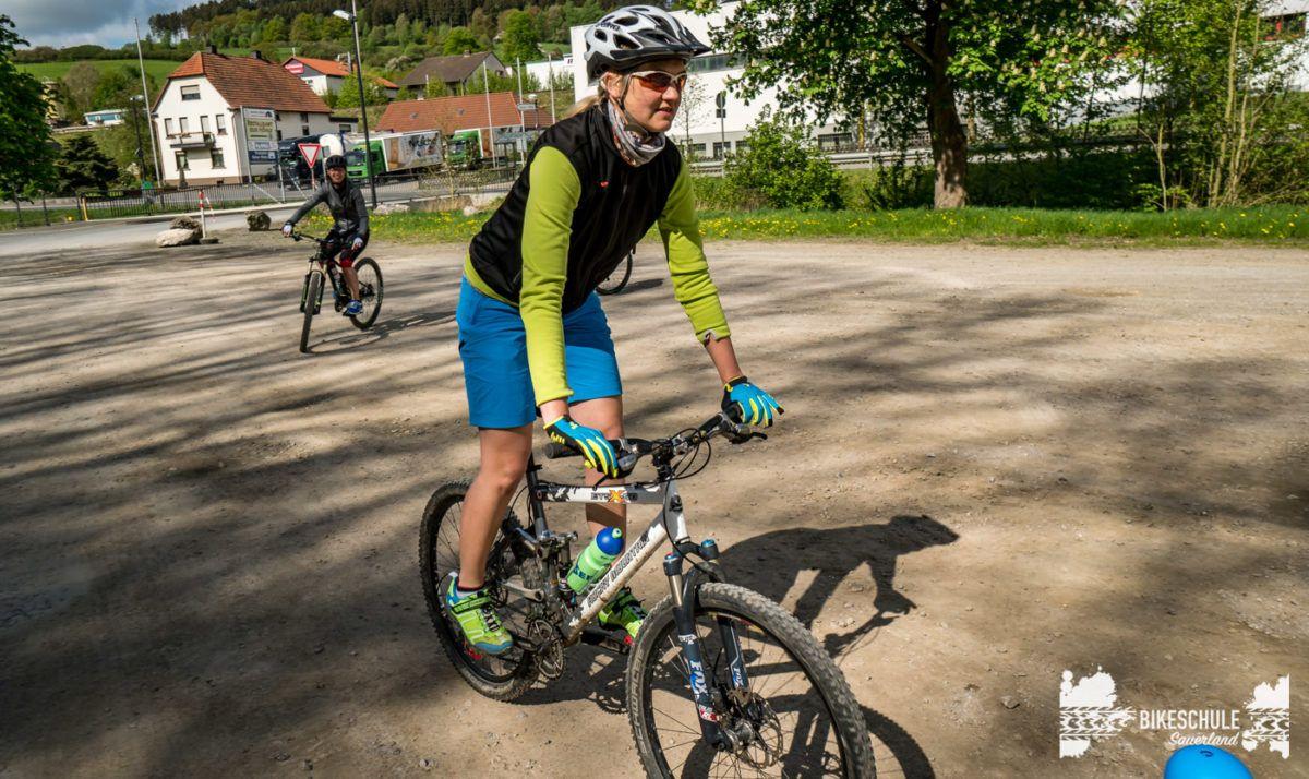bikecamp-ladies-only-bikeschule-sauerland-fahrtechnik-042018-35