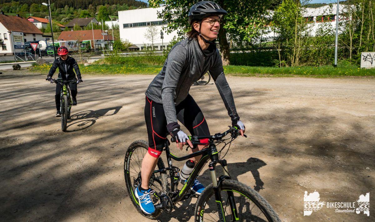 bikecamp-ladies-only-bikeschule-sauerland-fahrtechnik-042018-36