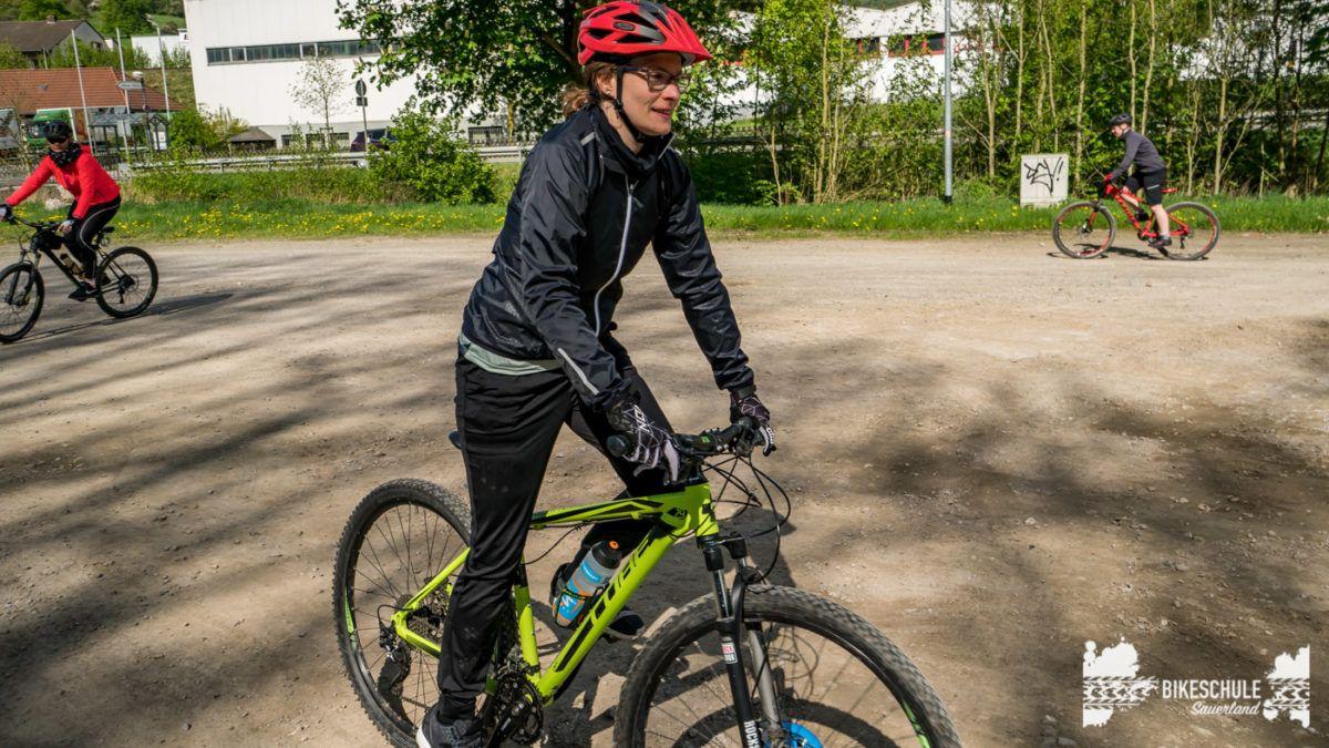 bikecamp-ladies-only-bikeschule-sauerland-fahrtechnik-042018-37