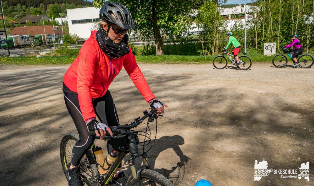 bikecamp-ladies-only-bikeschule-sauerland-fahrtechnik-042018-38