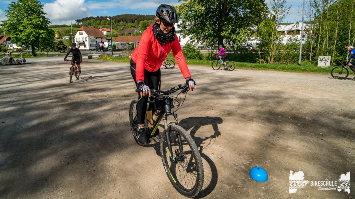bikecamp-ladies-only-bikeschule-sauerland-fahrtechnik-042018-43