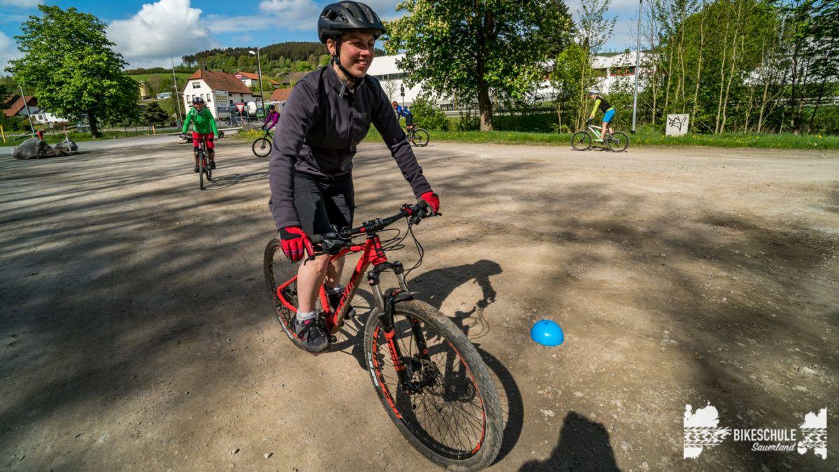 bikecamp-ladies-only-bikeschule-sauerland-fahrtechnik-042018-44