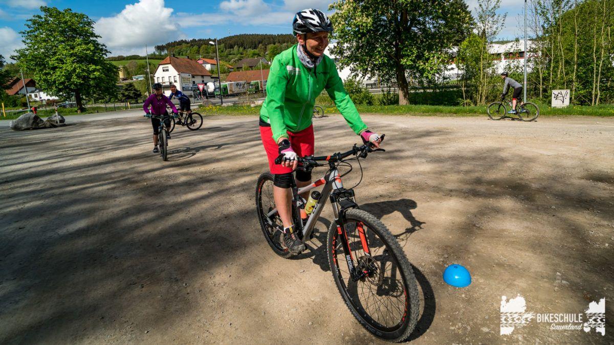 bikecamp-ladies-only-bikeschule-sauerland-fahrtechnik-042018-45