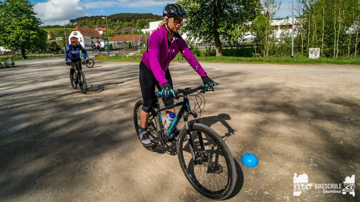 bikecamp-ladies-only-bikeschule-sauerland-fahrtechnik-042018-46