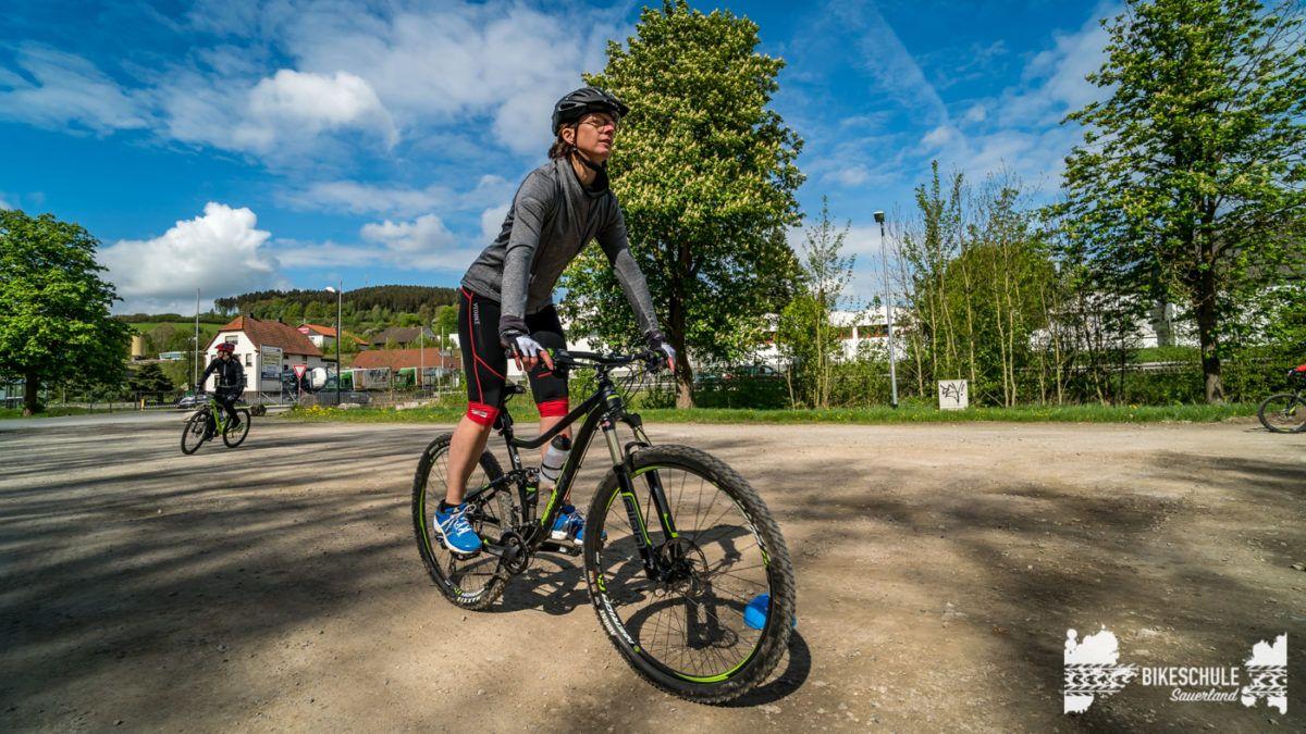 bikecamp-ladies-only-bikeschule-sauerland-fahrtechnik-042018-48