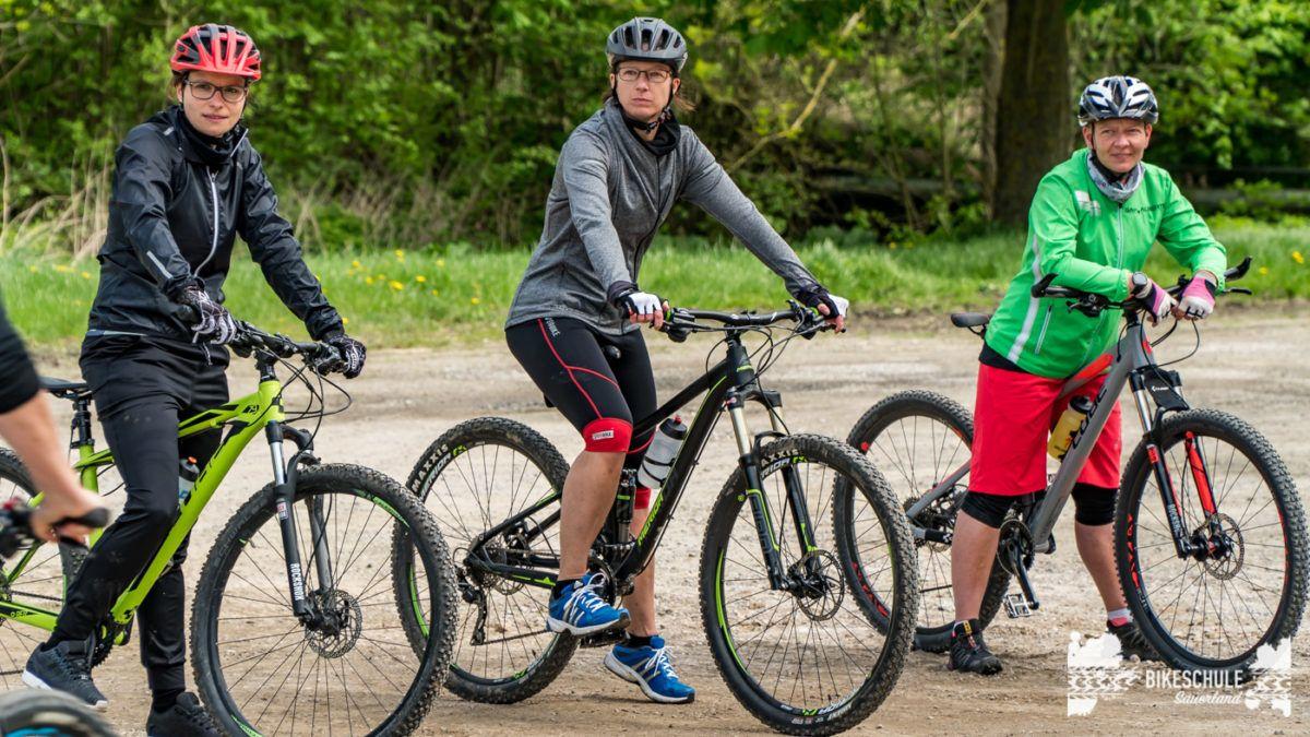 bikecamp-ladies-only-bikeschule-sauerland-fahrtechnik-042018-5