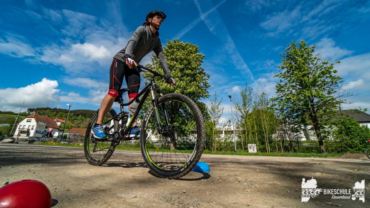 bikecamp-ladies-only-bikeschule-sauerland-fahrtechnik-042018-53