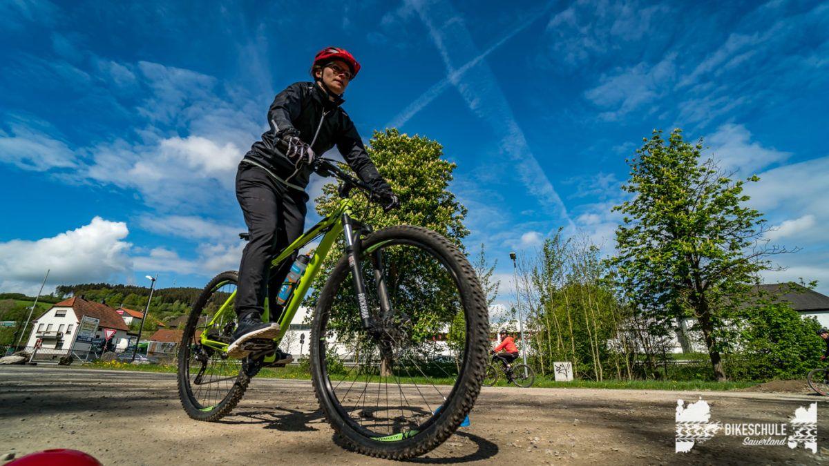 bikecamp-ladies-only-bikeschule-sauerland-fahrtechnik-042018-54
