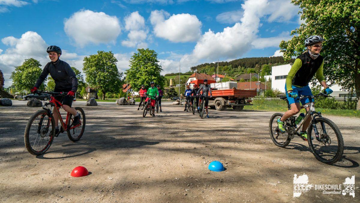 bikecamp-ladies-only-bikeschule-sauerland-fahrtechnik-042018-58