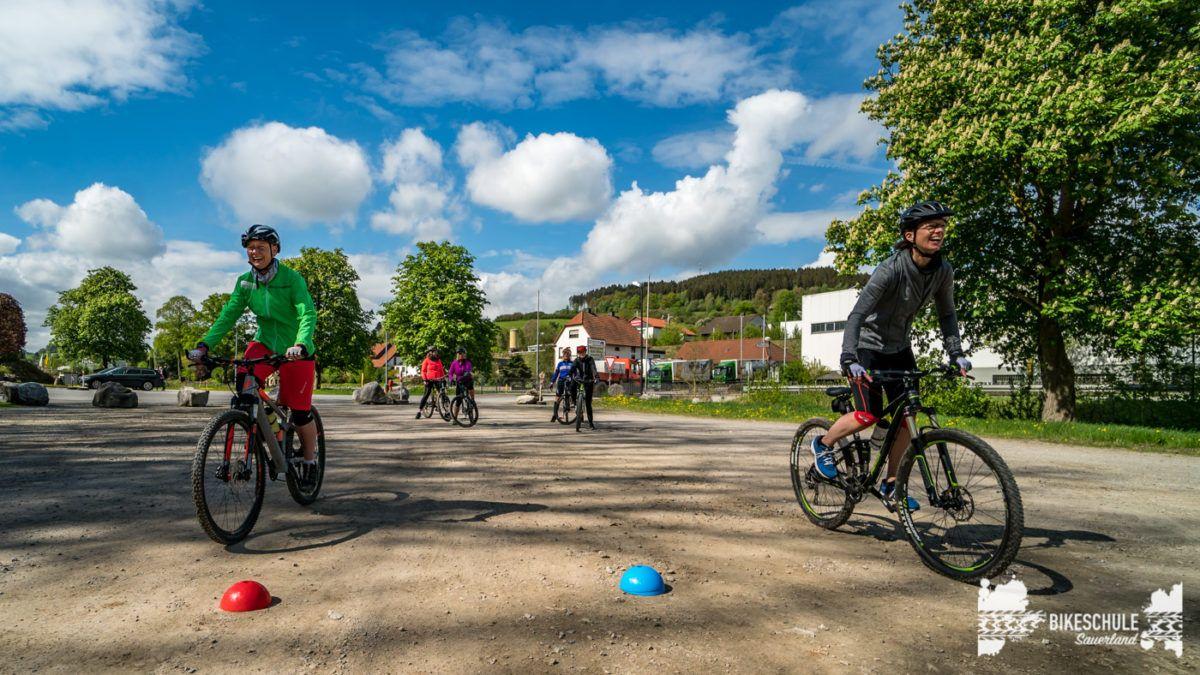 bikecamp-ladies-only-bikeschule-sauerland-fahrtechnik-042018-59
