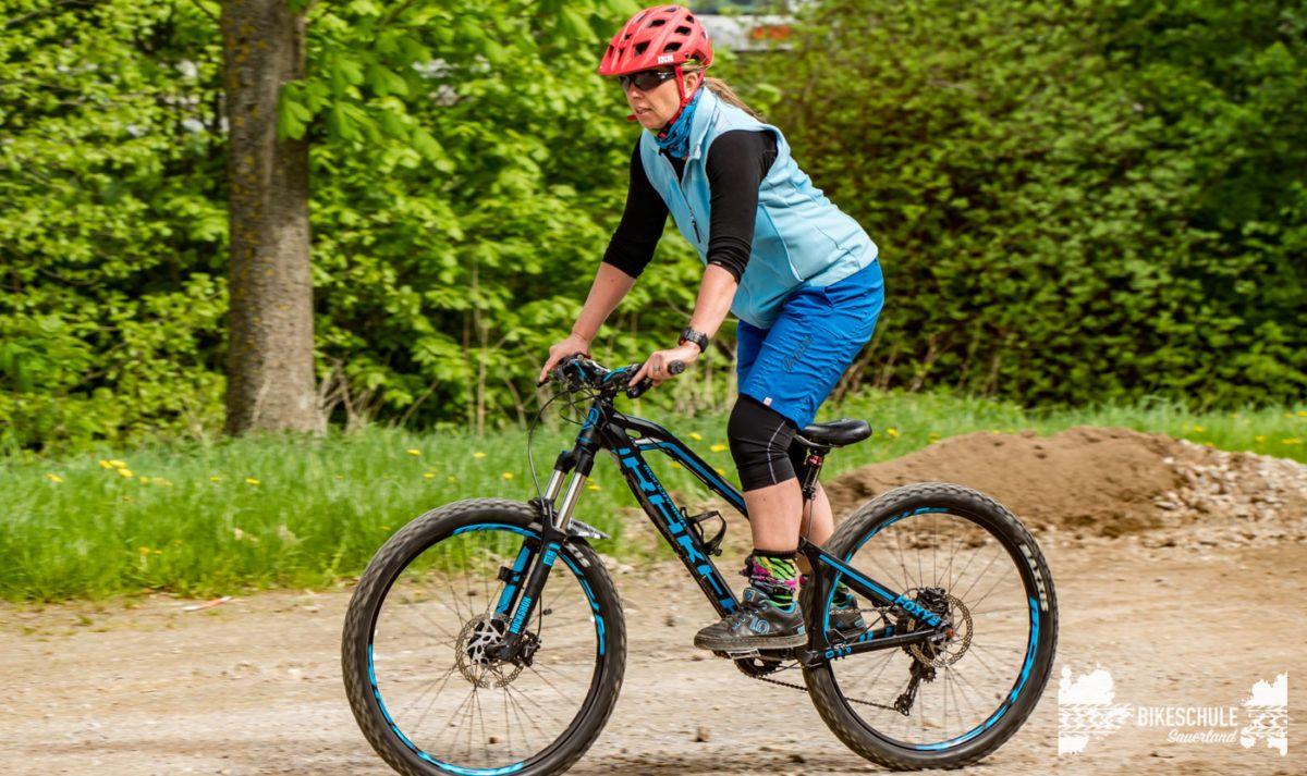 bikecamp-ladies-only-bikeschule-sauerland-fahrtechnik-042018-6