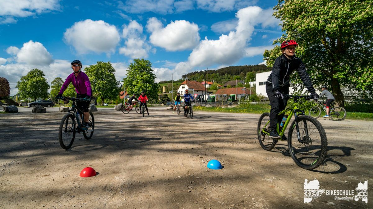 bikecamp-ladies-only-bikeschule-sauerland-fahrtechnik-042018-60