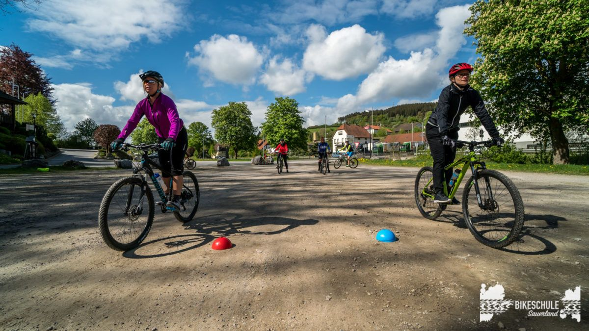 bikecamp-ladies-only-bikeschule-sauerland-fahrtechnik-042018-61