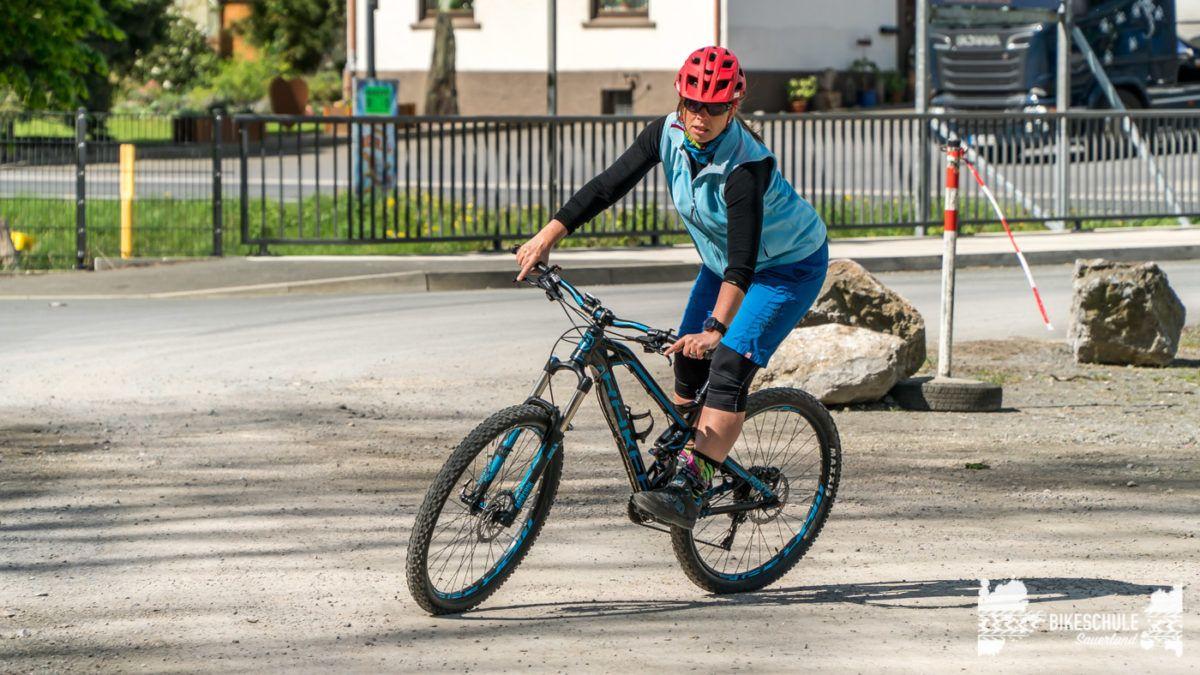 bikecamp-ladies-only-bikeschule-sauerland-fahrtechnik-042018-64