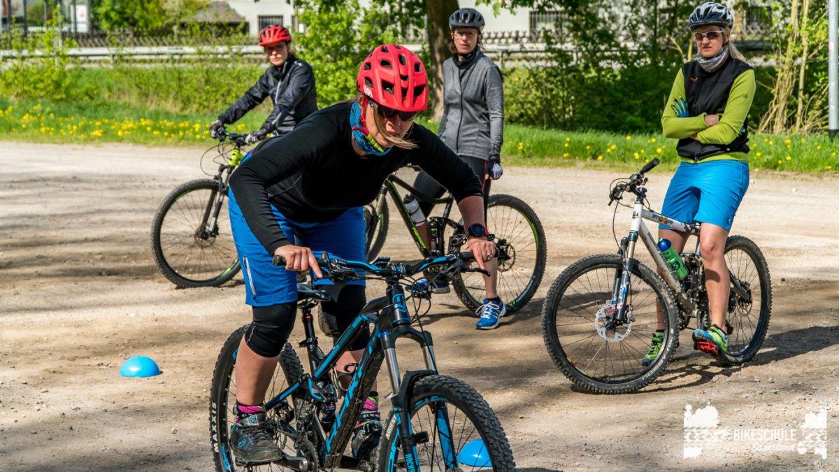 bikecamp-ladies-only-bikeschule-sauerland-fahrtechnik-042018-71