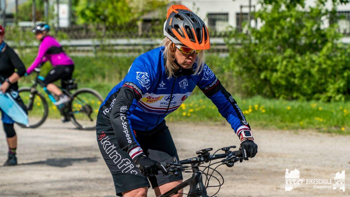 bikecamp-ladies-only-bikeschule-sauerland-fahrtechnik-042018-72