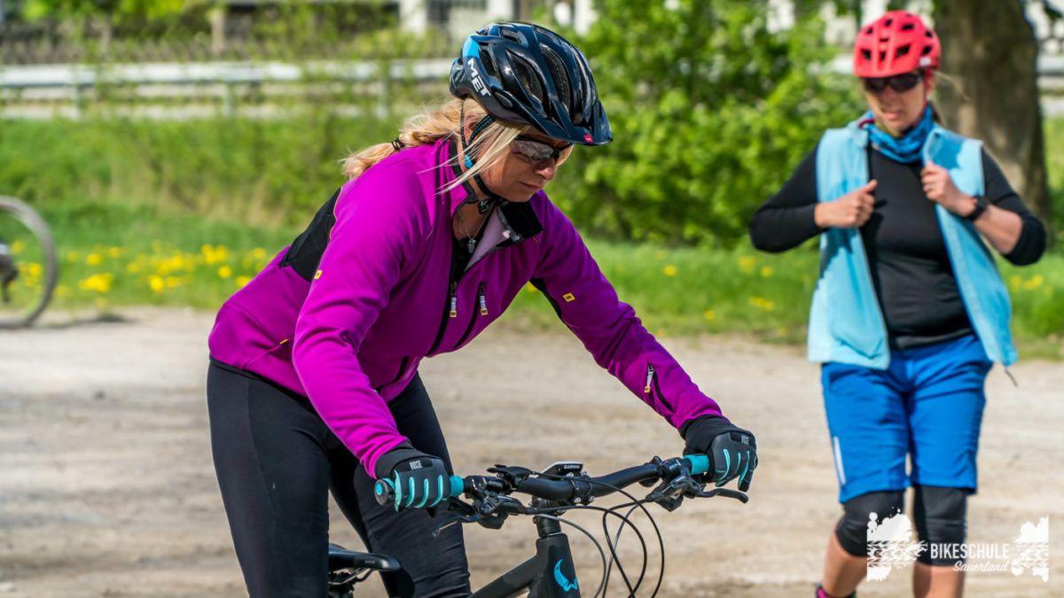 bikecamp-ladies-only-bikeschule-sauerland-fahrtechnik-042018-73