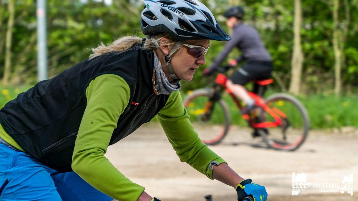 bikecamp-ladies-only-bikeschule-sauerland-fahrtechnik-042018-74