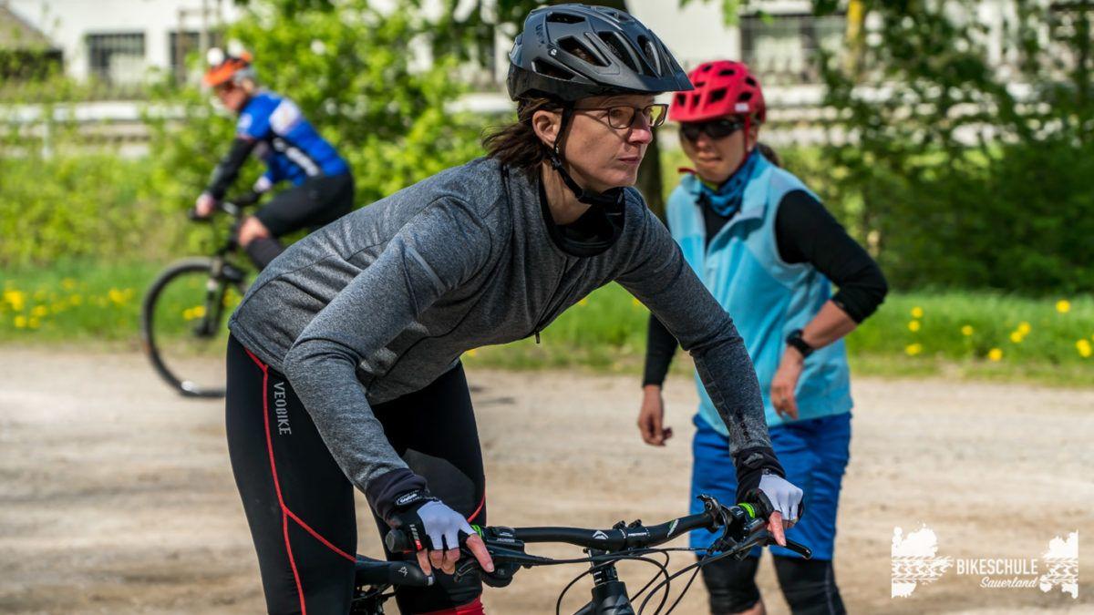 bikecamp-ladies-only-bikeschule-sauerland-fahrtechnik-042018-76
