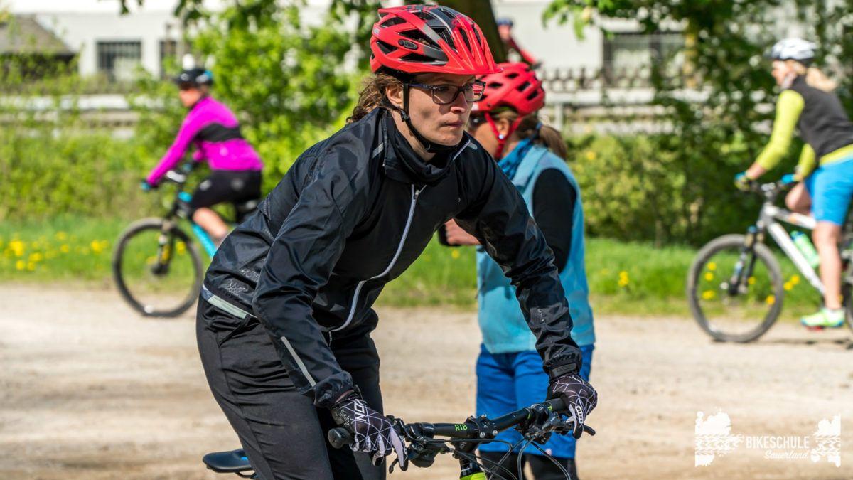 bikecamp-ladies-only-bikeschule-sauerland-fahrtechnik-042018-77