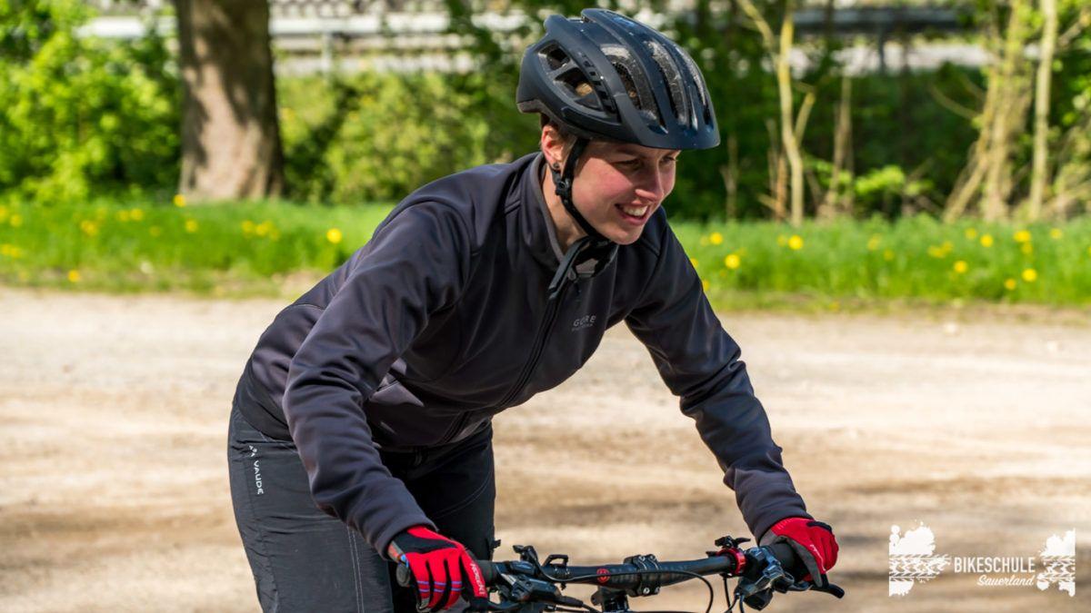 bikecamp-ladies-only-bikeschule-sauerland-fahrtechnik-042018-79