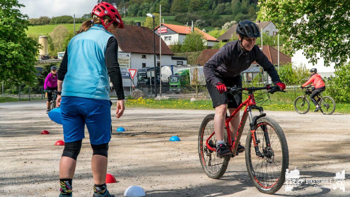 bikecamp-ladies-only-bikeschule-sauerland-fahrtechnik-042018-82