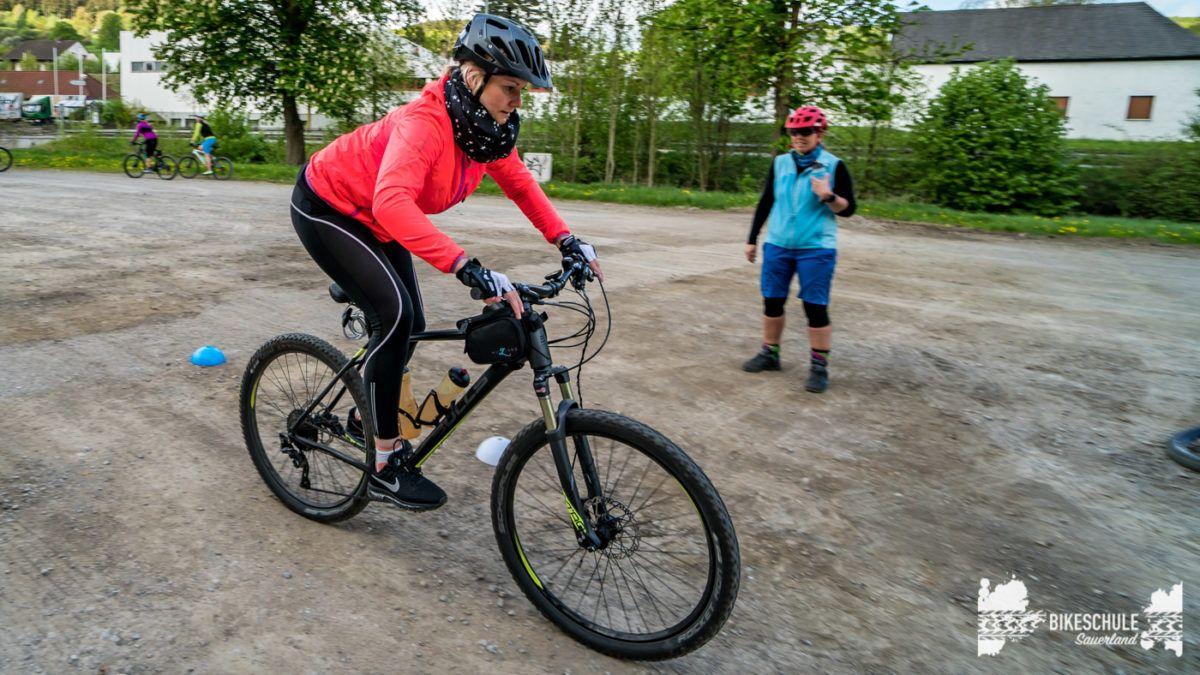 bikecamp-ladies-only-bikeschule-sauerland-fahrtechnik-042018-86