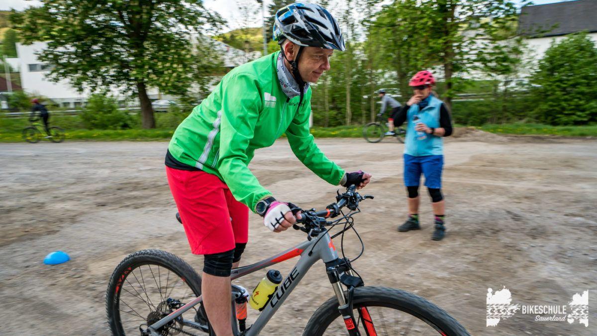 bikecamp-ladies-only-bikeschule-sauerland-fahrtechnik-042018-87