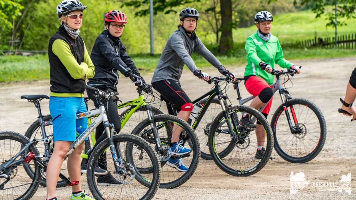 bikecamp-ladies-only-bikeschule-sauerland-fahrtechnik-042018-9