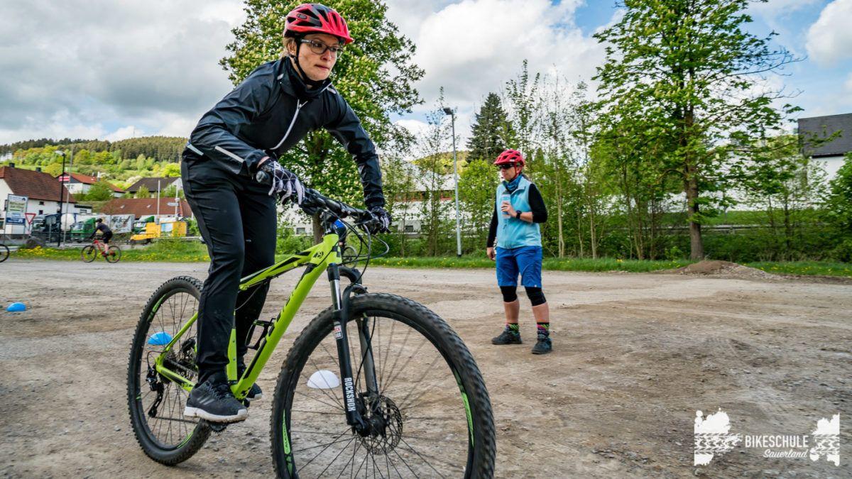 bikecamp-ladies-only-bikeschule-sauerland-fahrtechnik-042018-94