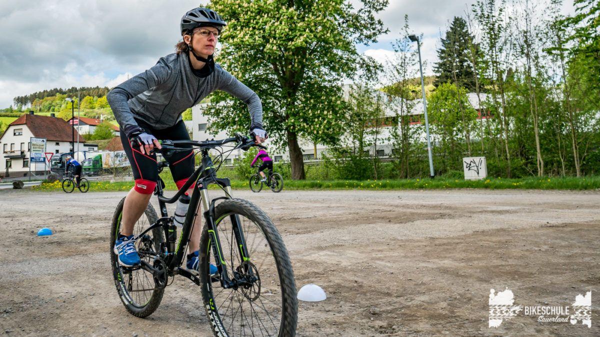 bikecamp-ladies-only-bikeschule-sauerland-fahrtechnik-042018-95