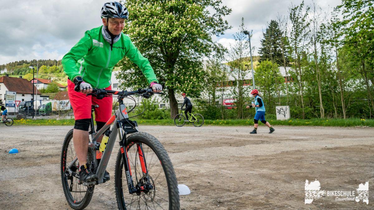 bikecamp-ladies-only-bikeschule-sauerland-fahrtechnik-042018-97