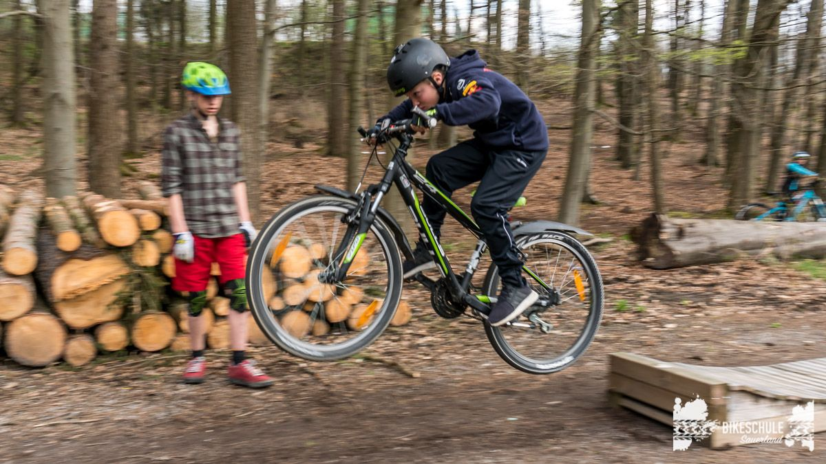 bikekids-kinderkurse-mountainbike-bikeschule-sauerland-116