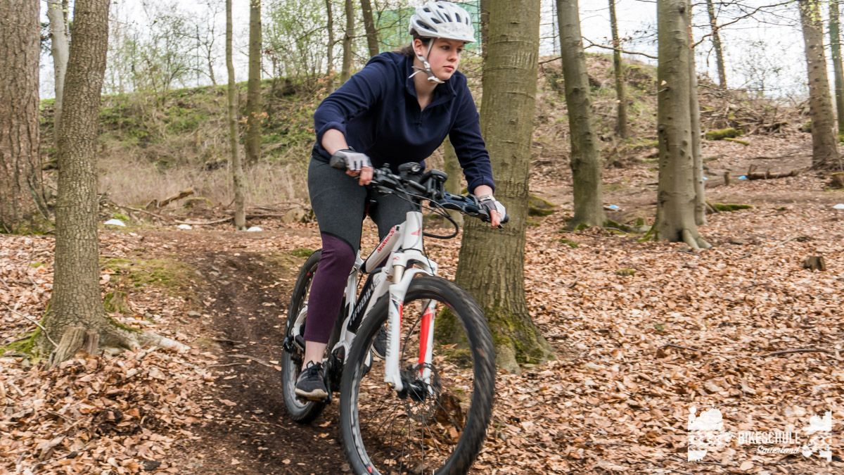 e-bike-mountainbike-fahrtechnik-042018-bikeschule-sauerland-48