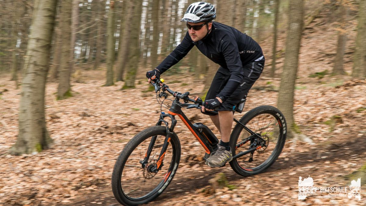 e-bike-mountainbike-fahrtechnik-042018-bikeschule-sauerland-58
