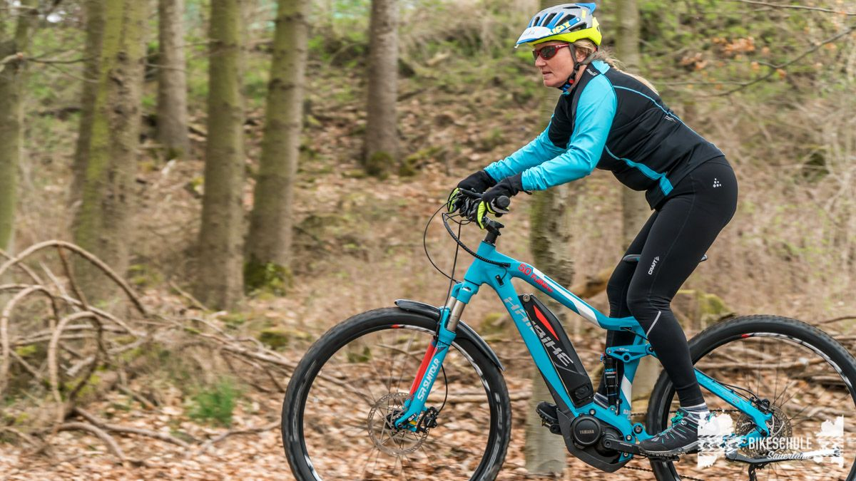 e-bike-mountainbike-fahrtechnik-042018-bikeschule-sauerland-67