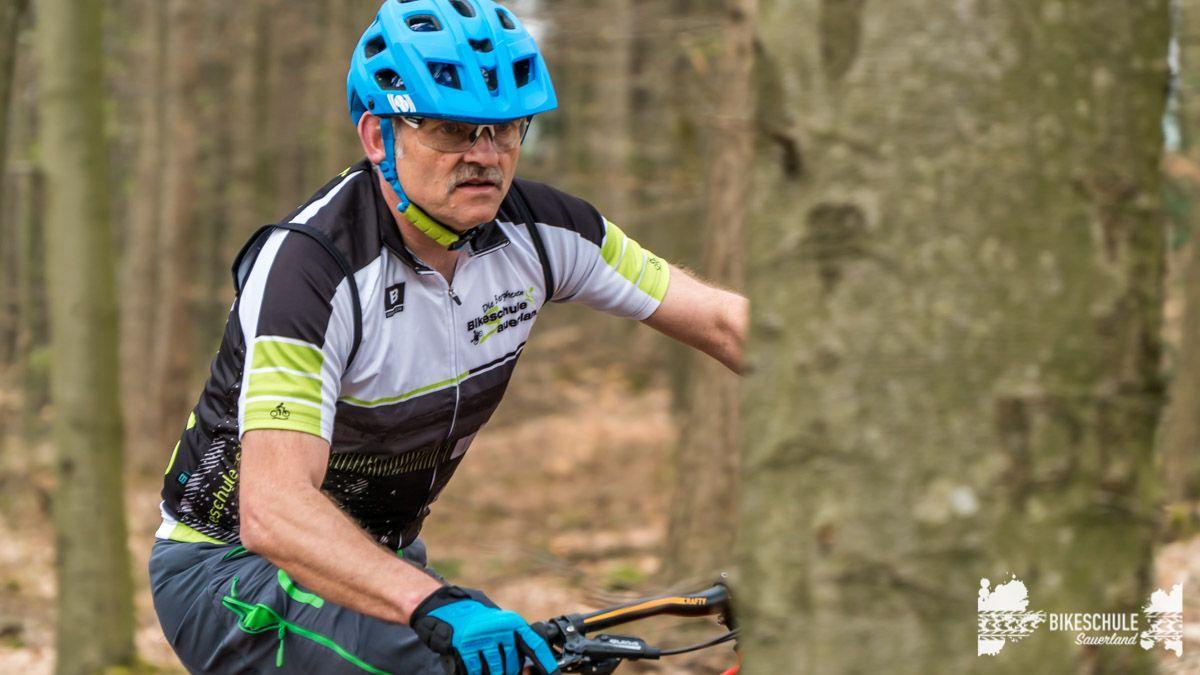 e-bike-mountainbike-fahrtechnik-042018-bikeschule-sauerland-68