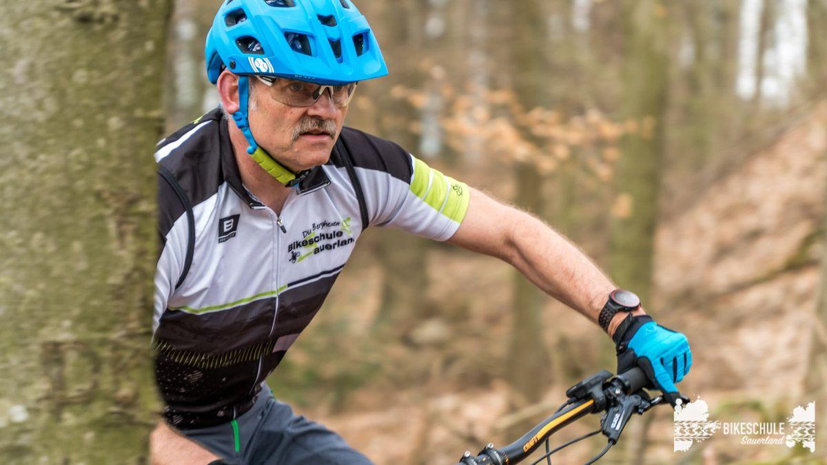e-bike-mountainbike-fahrtechnik-042018-bikeschule-sauerland-69