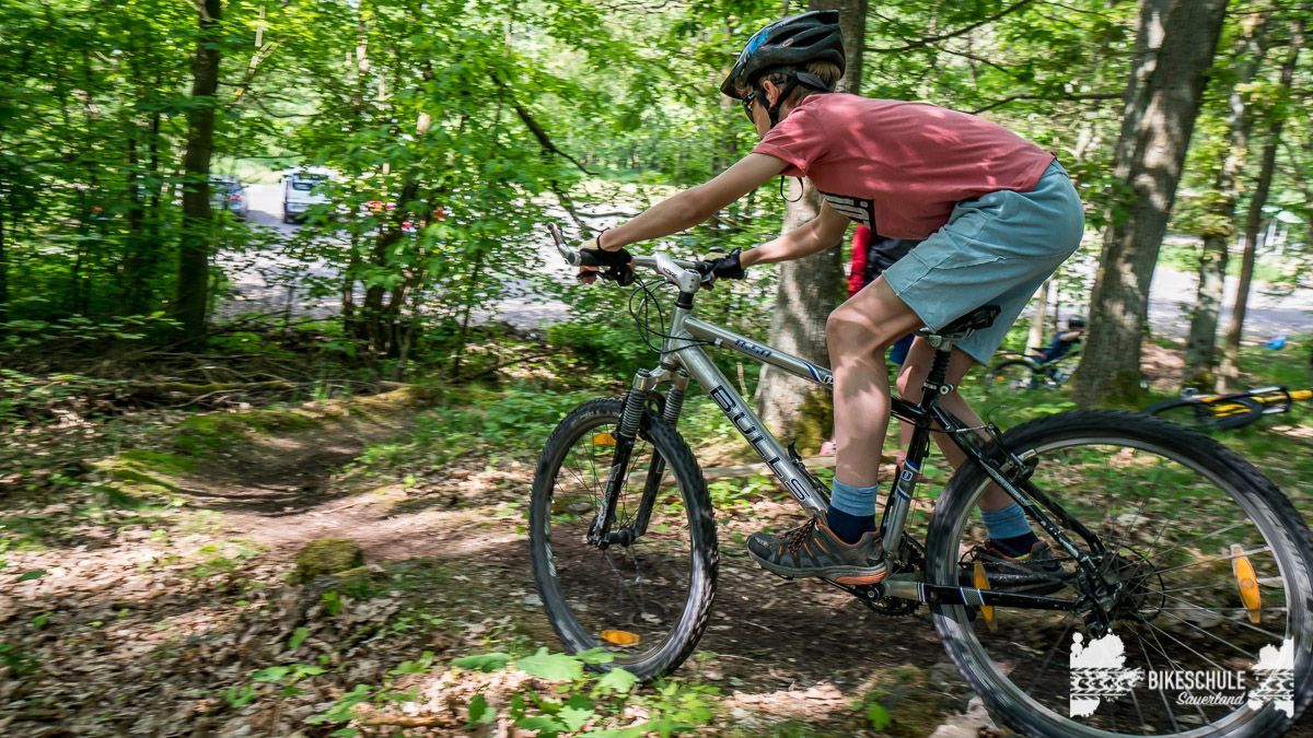 vater-sohn-bikecamp-bikeschule-sauerland-mountainbike-129
