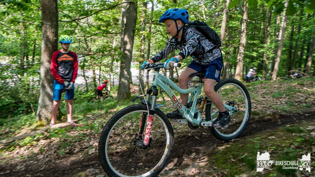 vater-sohn-bikecamp-bikeschule-sauerland-mountainbike-134