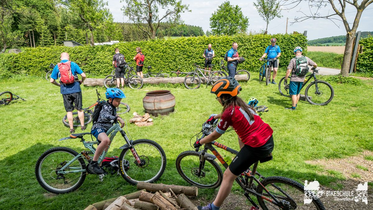 vater-sohn-bikecamp-bikeschule-sauerland-mountainbike-143