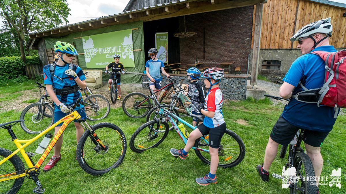 vater-sohn-bikecamp-bikeschule-sauerland-mountainbike-152