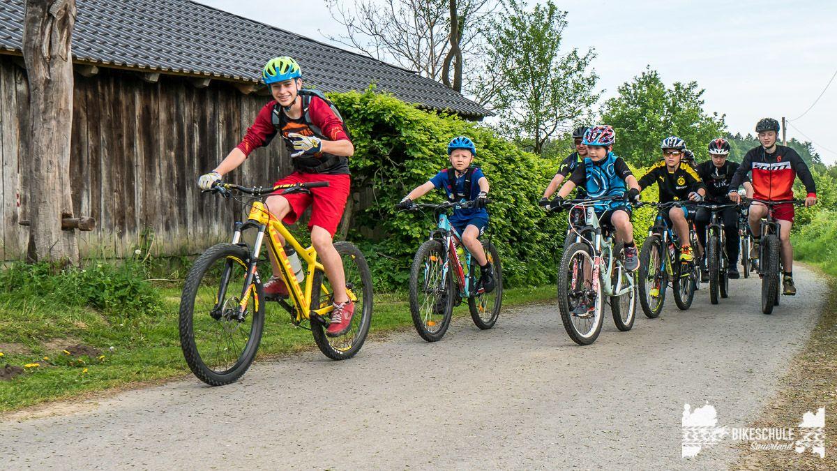 vater-sohn-bikecamp-bikeschule-sauerland-mountainbike-198