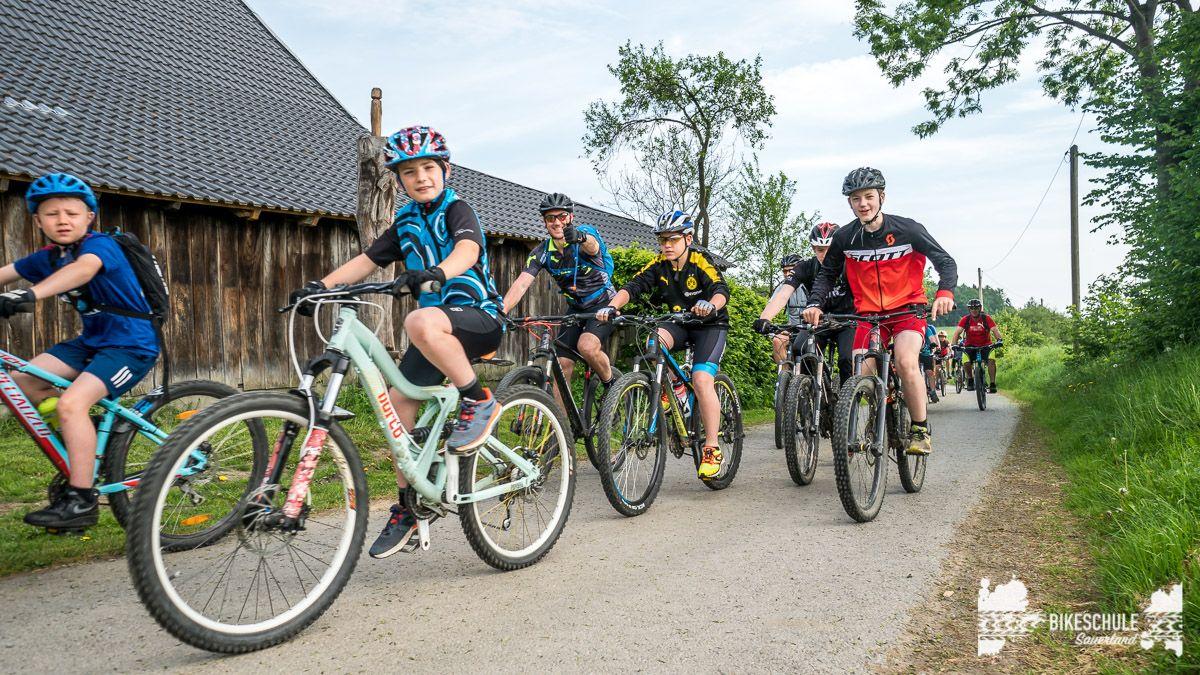 vater-sohn-bikecamp-bikeschule-sauerland-mountainbike-199