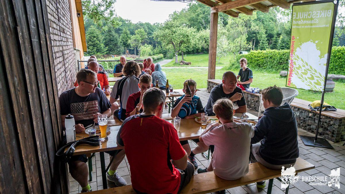 vater-sohn-bikecamp-bikeschule-sauerland-mountainbike-205