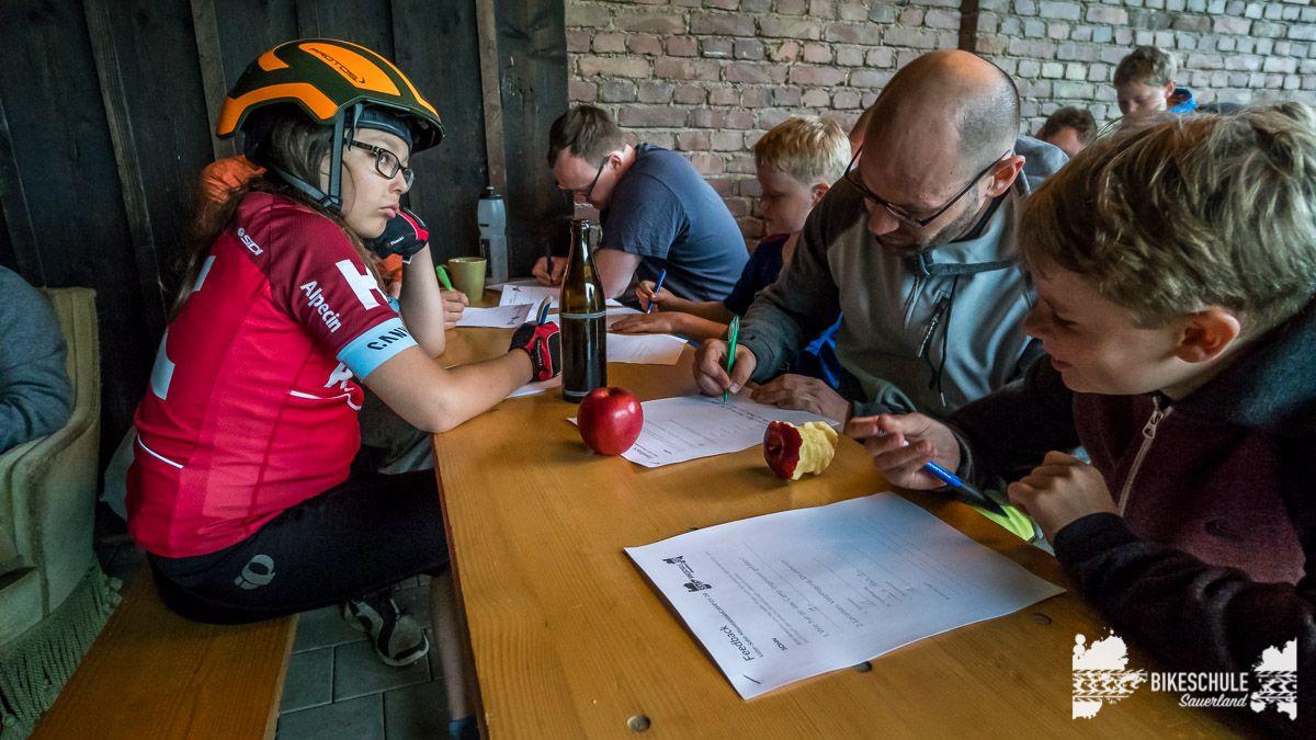 vater-sohn-bikecamp-bikeschule-sauerland-mountainbike-206