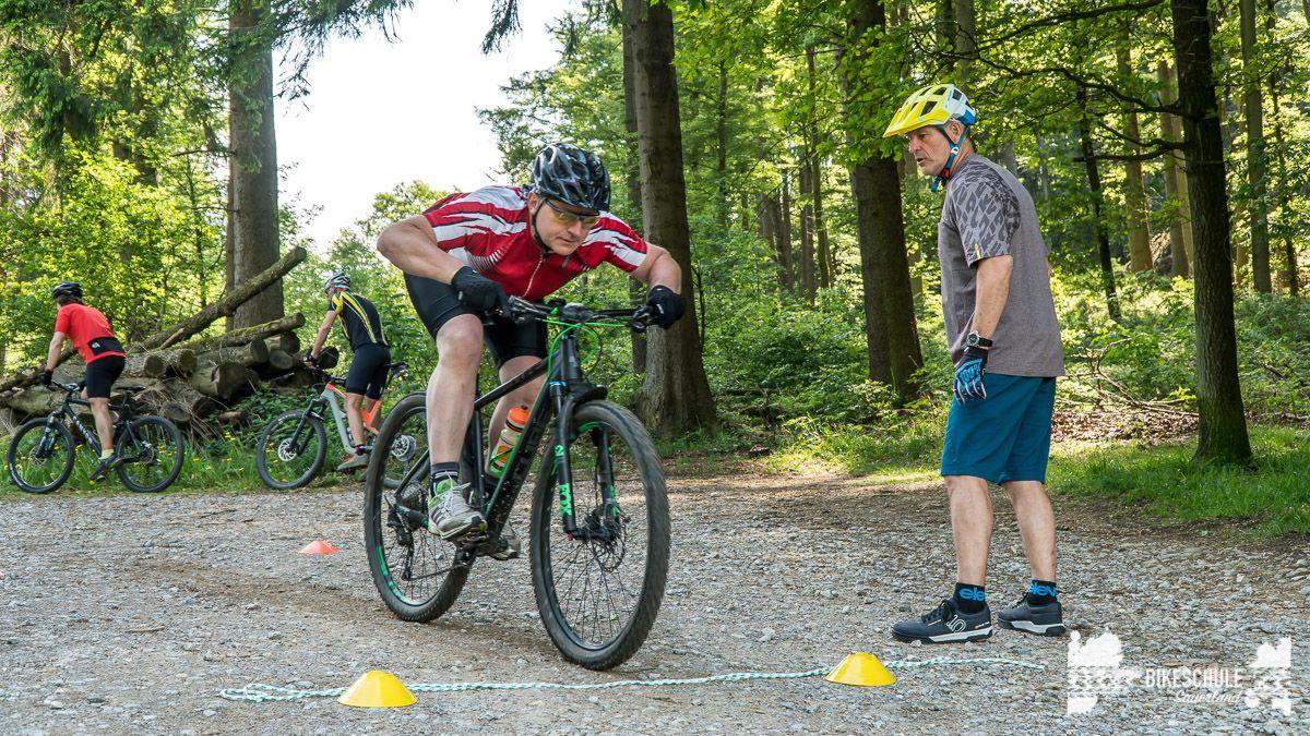 vater-sohn-bikecamp-bikeschule-sauerland-mountainbike-76