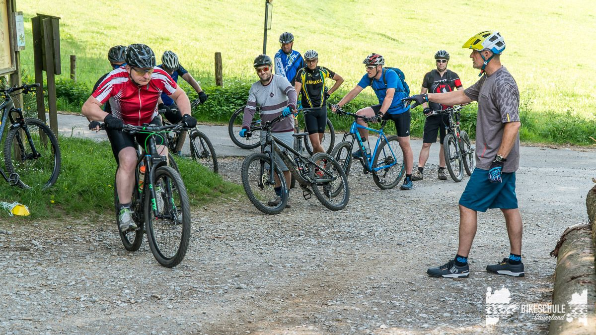 vater-sohn-bikecamp-bikeschule-sauerland-mountainbike-98